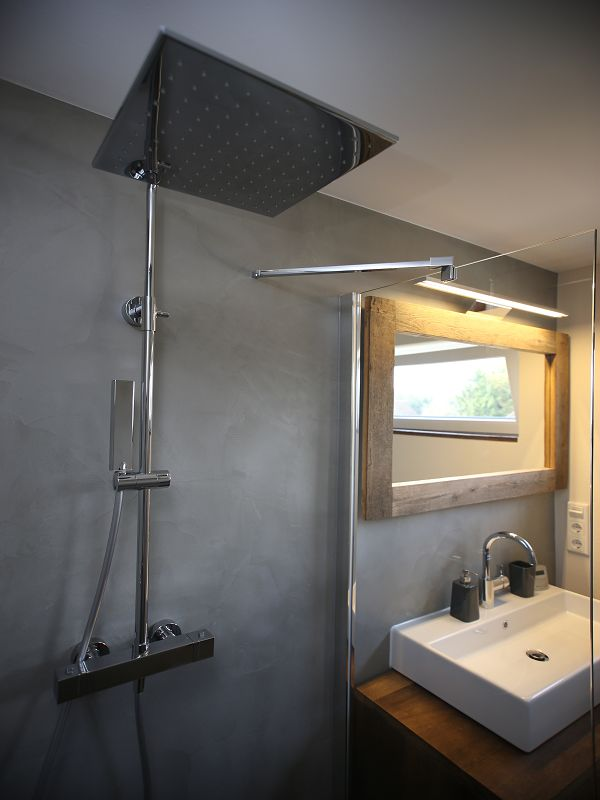 sichtbeton fugenlose badezimmer b den und w nde in beton optik lippe salzuflen detmold. Black Bedroom Furniture Sets. Home Design Ideas